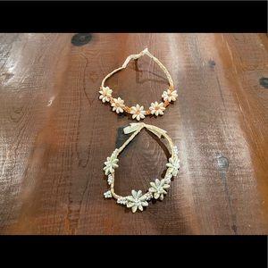 Pretty girls Hawaiian accessories